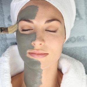 Пречистваща маска с терапевтична червена глина - PCA Skin